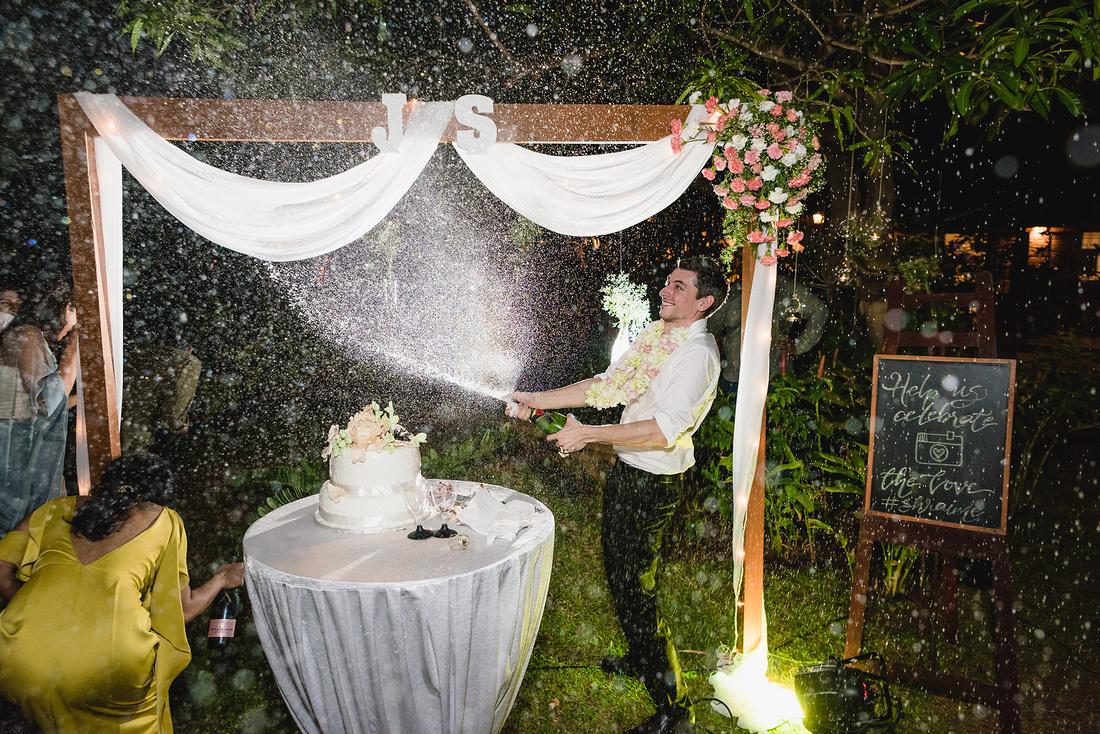 Beach -side-outdoor-wedding-engagement